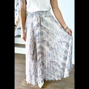 Olivaceous Snake Print Pleated Maxi Skirt NWT